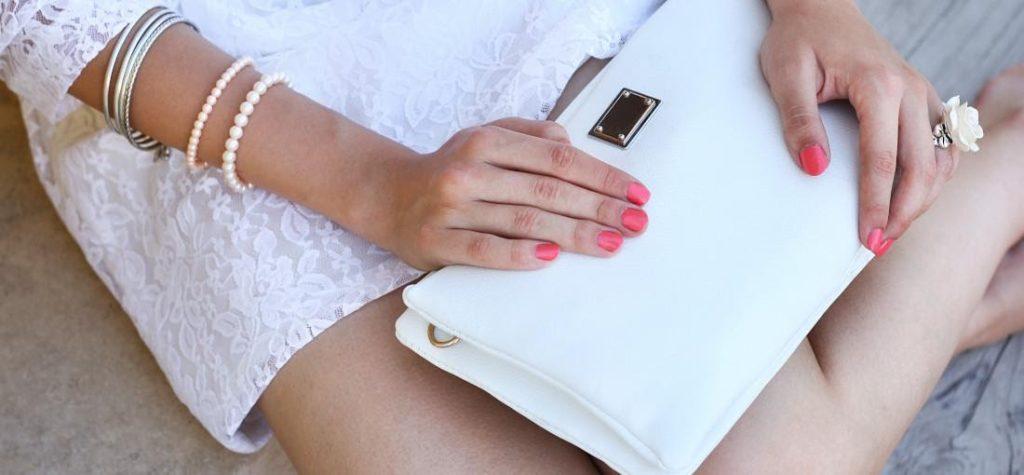 geantă albă, poșetă albă, plic alb
