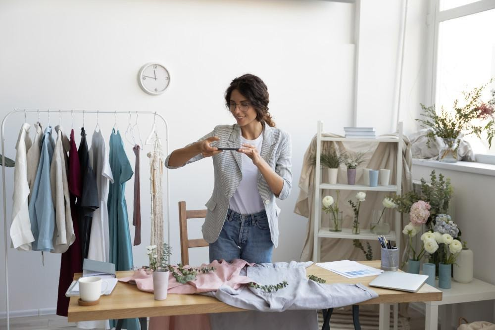 vânzare haine, vânzare online, organizare haine, organizare dulap, sortare haine